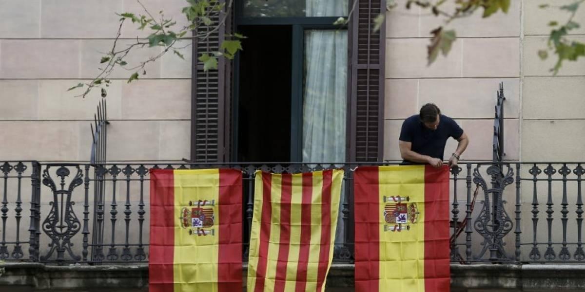 Gobierno España ve inadmisible declarar independencia de Cataluña y suspenderla