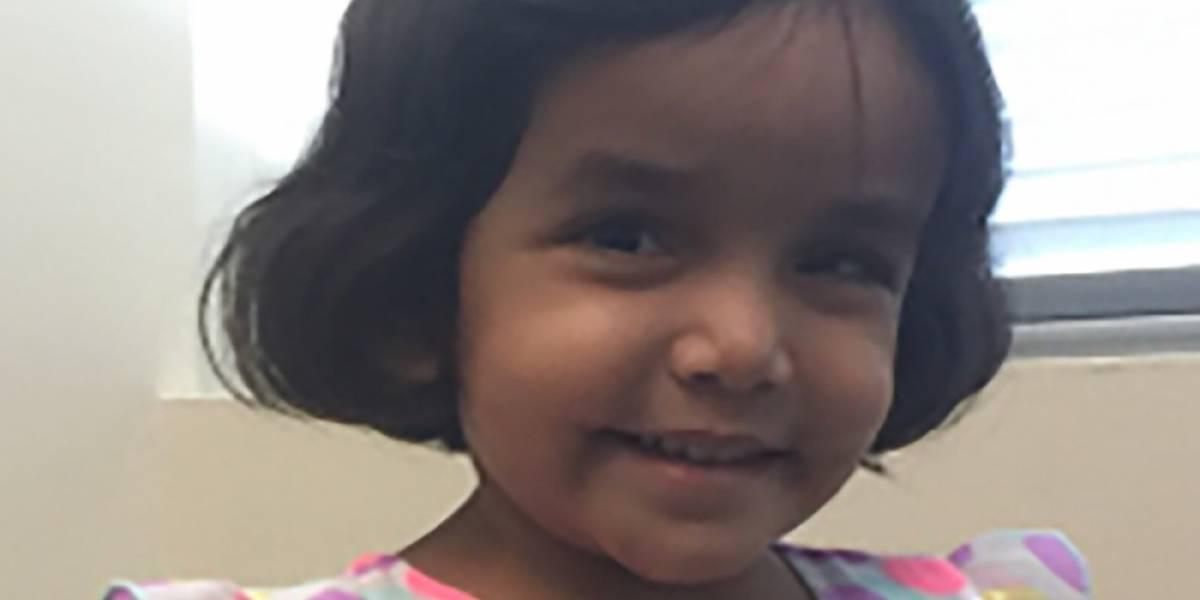 El padre del año: hombre echa de la casa a su hija de 3 años por no tomarse la leche