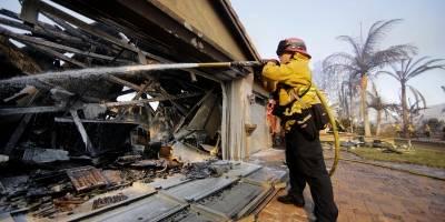 Un muerto y dos heridos graves por los incendios en California