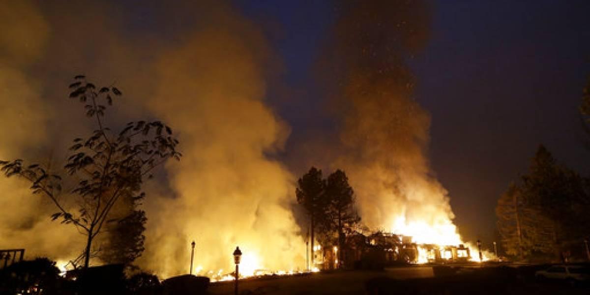Fuertes vientos descontrolan incendios en estado de California