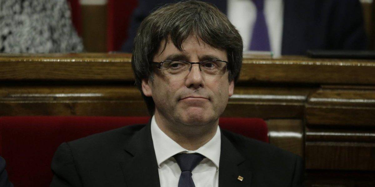 Cataluña en vilo ante posible convocatoria de Puigdemont a elecciones anticipadas