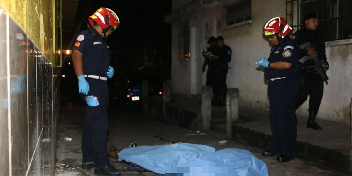 Asesinan a tres personas en Mixco y en Villa Nueva