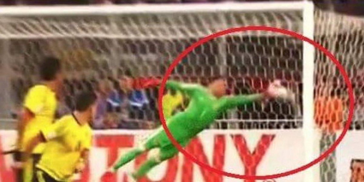 Paolo Guerrero explica la razón por la que pateó directo al arco