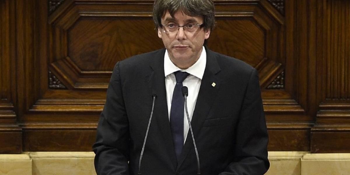 Puigdemont pide suspender la declaración de independencia de Cataluña