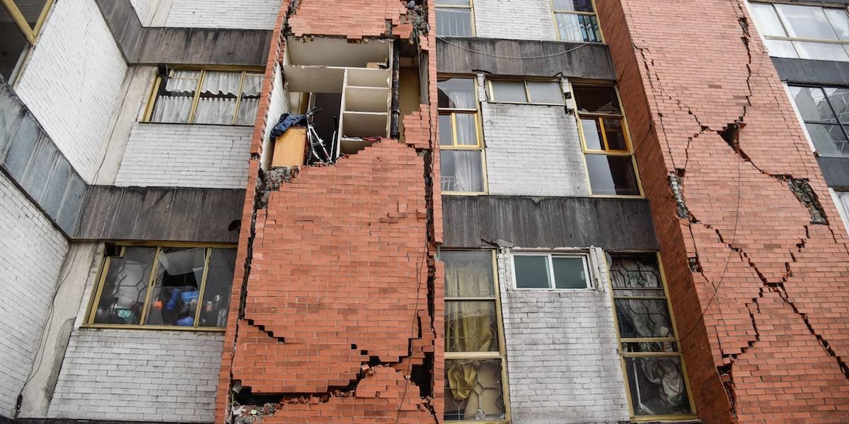 Tres semanas después del sismo CDMX da paso a demolición