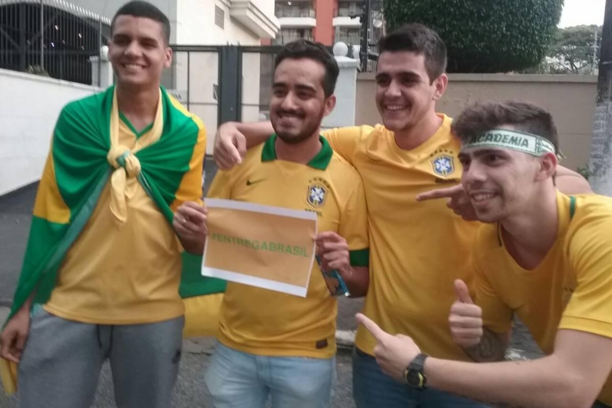 Los brasileños con el #EntregaBrasil - Crédito de Pablo Bardehle