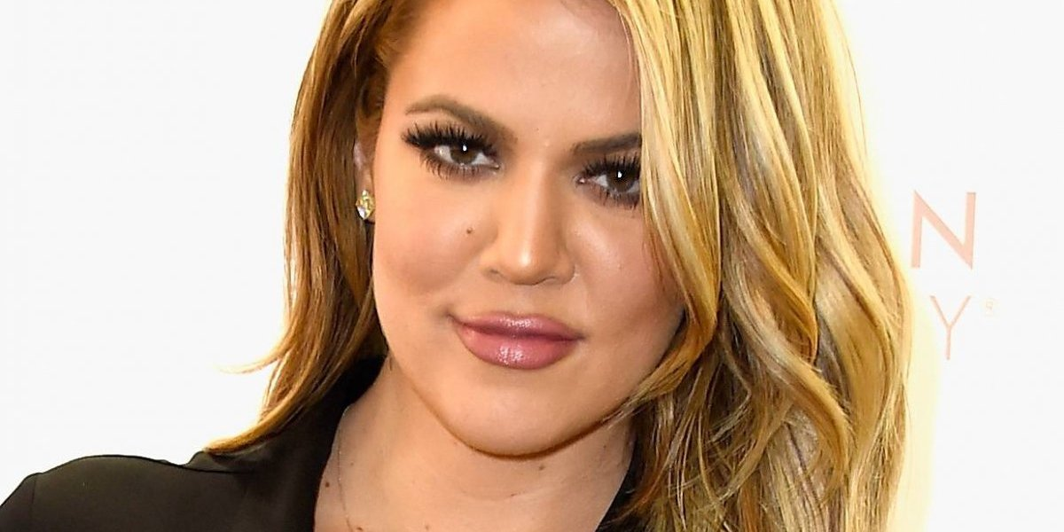 Aparece en público Khloé Kardashian tras anunciar supuesto embarazo