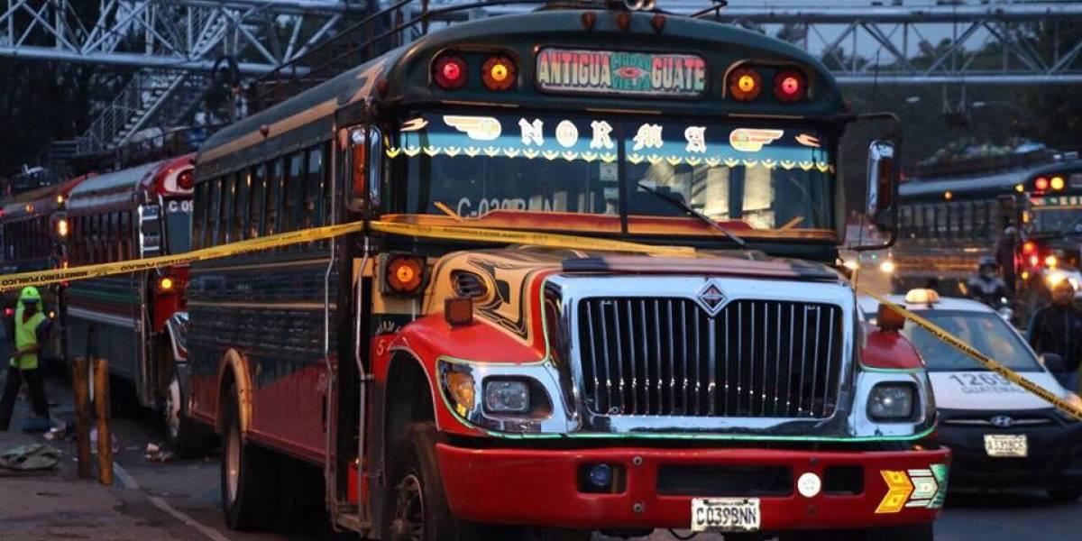 Cuarto día consecutivo de paro de buses que conducen a Antigua Guatemala