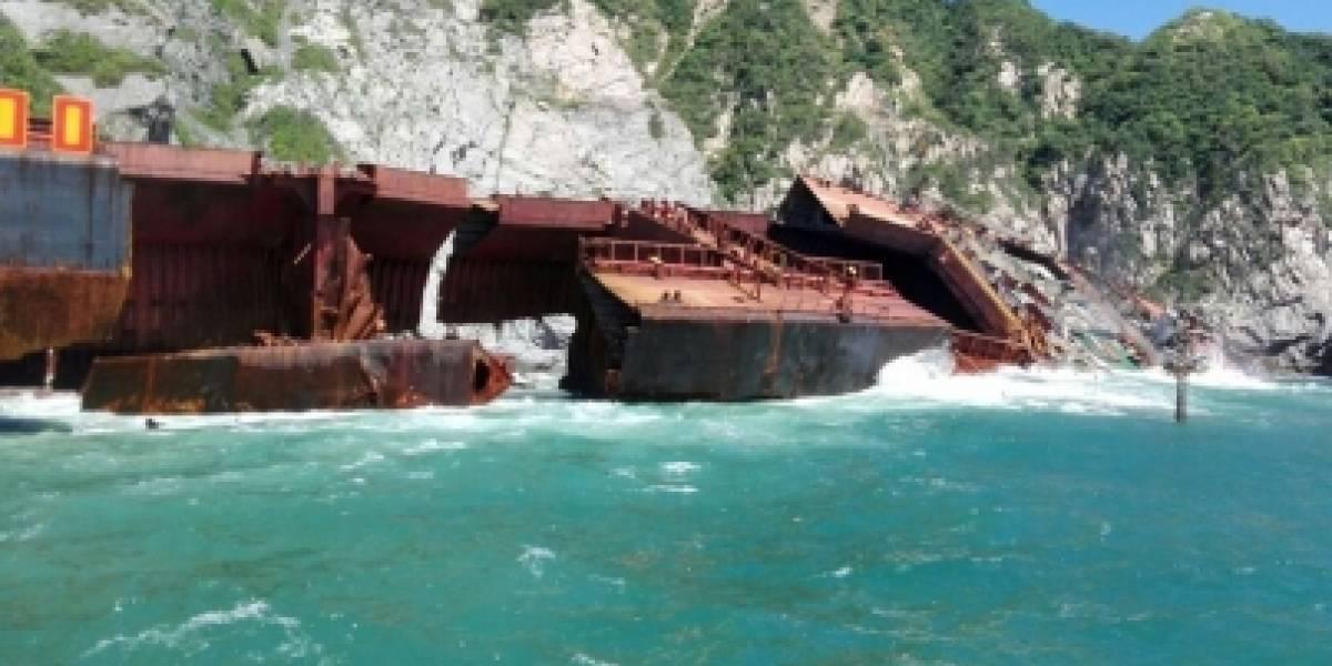 Se desintegra buque Los Llanitos en costas de Jalisco sin daño a fauna