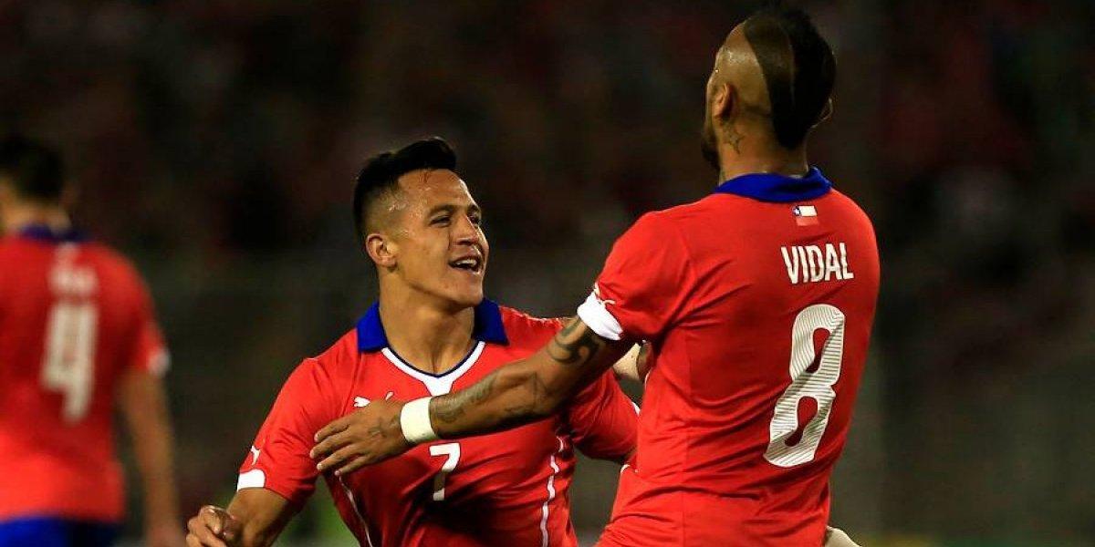 """Arturo Vidal felicitó a Alexis por su paso a Manchester United: """"Espero que le vaya muy bien"""""""
