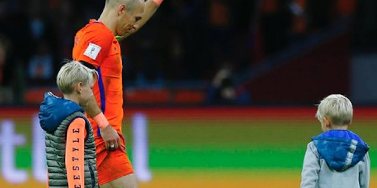 Tras eliminación de Holanda, Robben anuncia su retiro