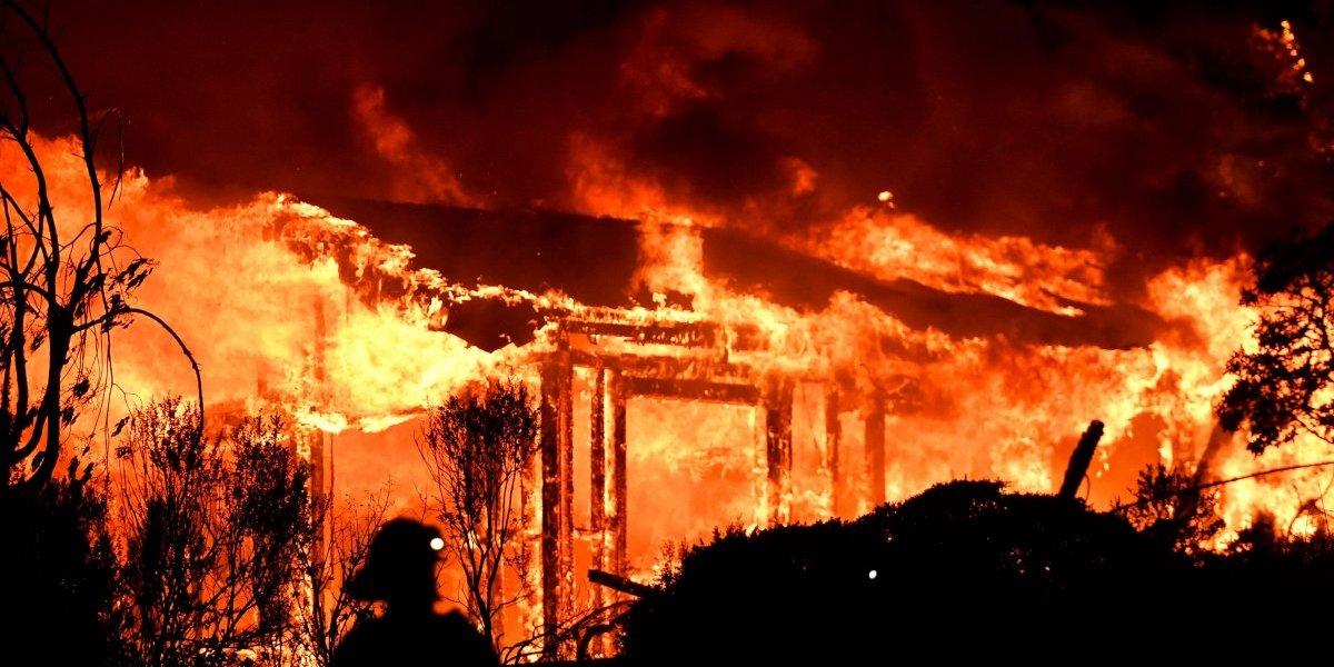 Catástrofe en California: 21 fallecidos y más de 25.000 evacuados por incendios forestales