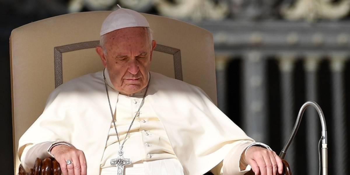 ¿Pasará algo similar cuando venga a Chile? Invitan a dos presos a almorzar con el papa Francisco y se fugan