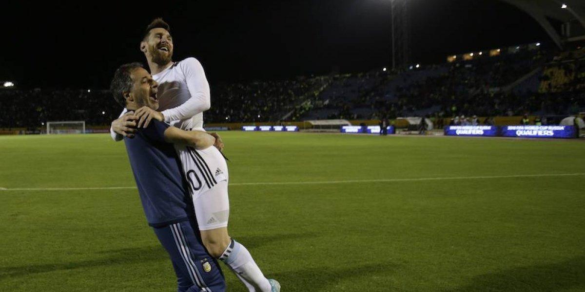 Presidente de Argentina felicita a Messi por teléfono