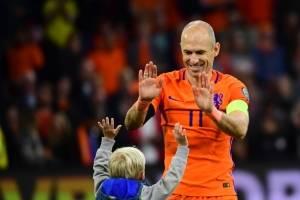 Arjen Robben se retira de su selección