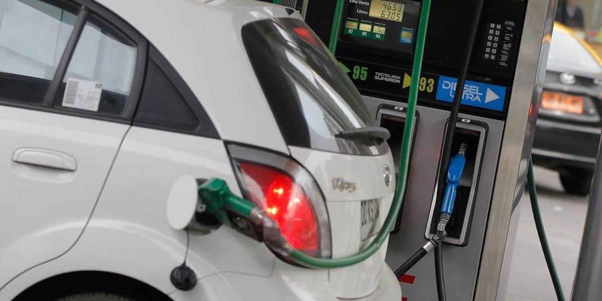 Un respiro: cae el precio de las bencinas este jueves