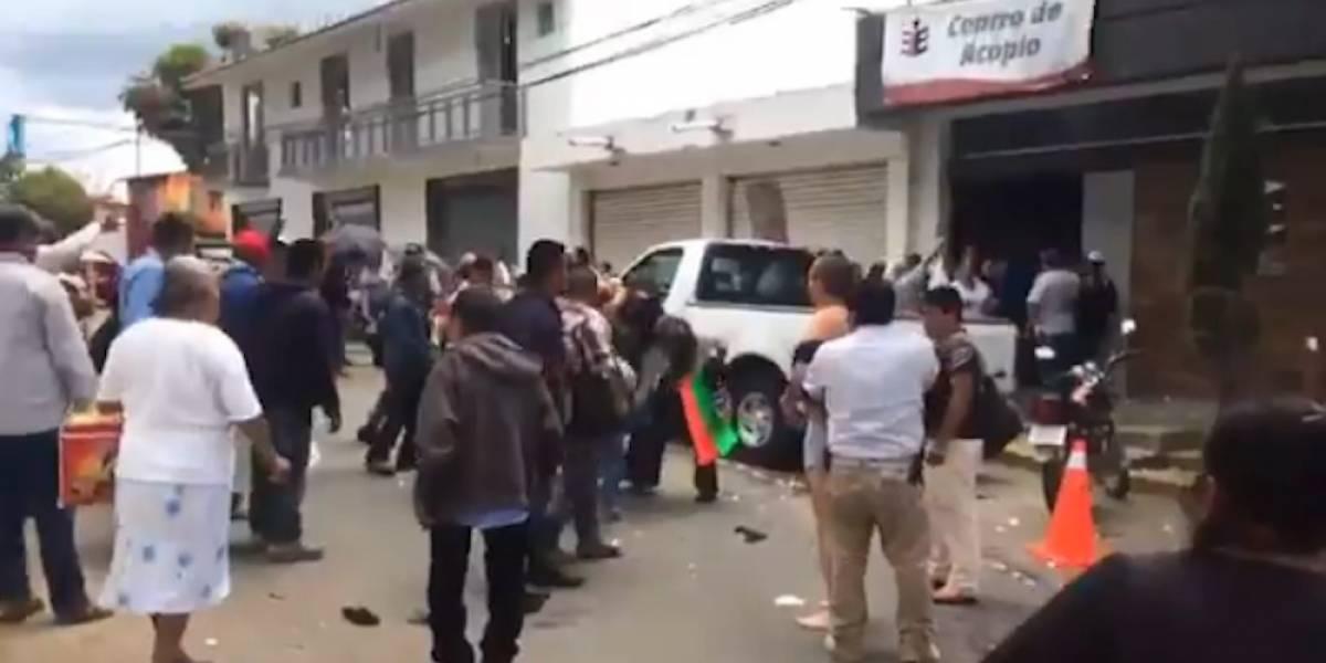 Pobladores en Oaxaca desnudan a autoridades tras anular elección