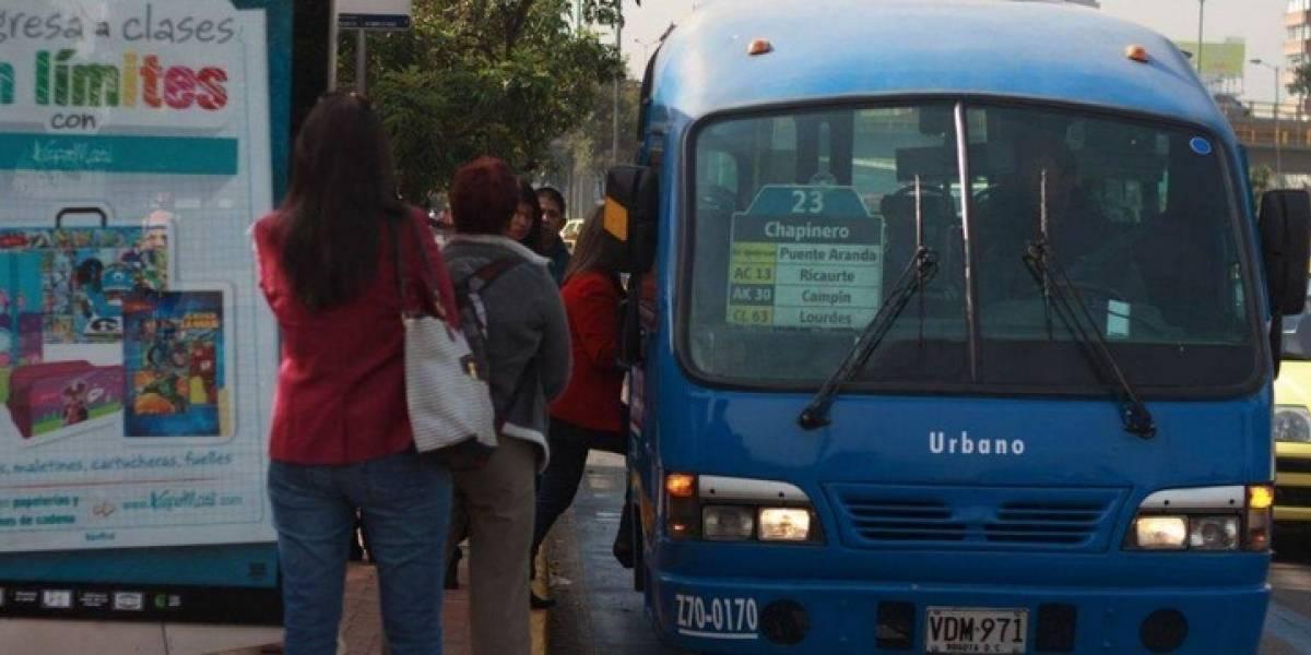 La 'doña Gloria rola': mujer grita eufórica a conductor del SITP por la demora del bus
