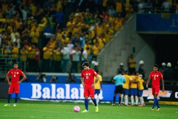 Chile sentenció su eliminación al ser derrotado 3-0 por Brasil en Sao Paulo / Foto: Getty Images