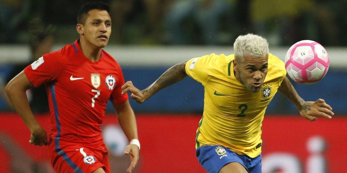 """La tristeza de Dani Alves por eliminar a Chile de Rusia: """"Es una pena que dos amigos se queden fuera"""""""