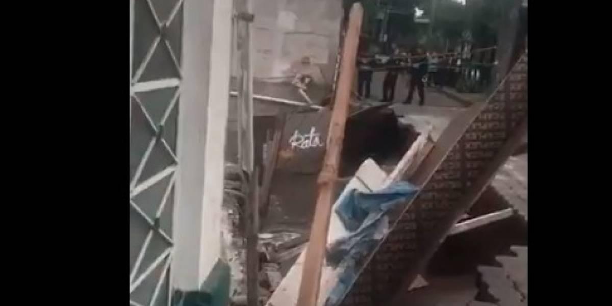 VIDEO: Se abre socavón por fuga de agua en la Benito Juárez
