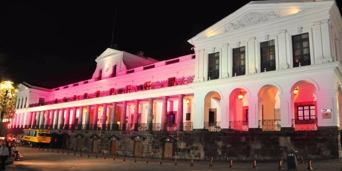 Palacio de Carondelet se iluminará de fucsia por el Día de la Niña
