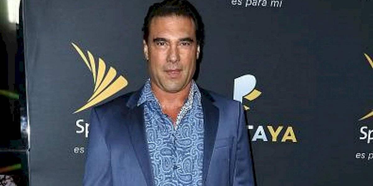 Eduardo Yáñez dio su versión luego de manotearle el micrófono a un periodista