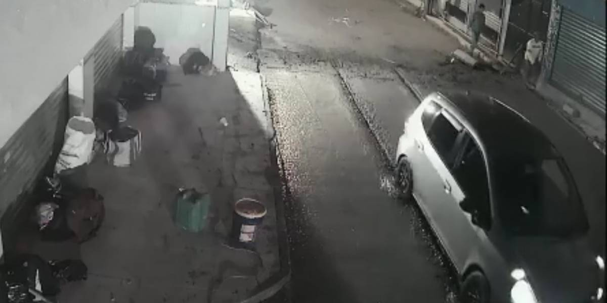 VIDEO. Automovilista daña el asfalto en la aldea Boca del Monte