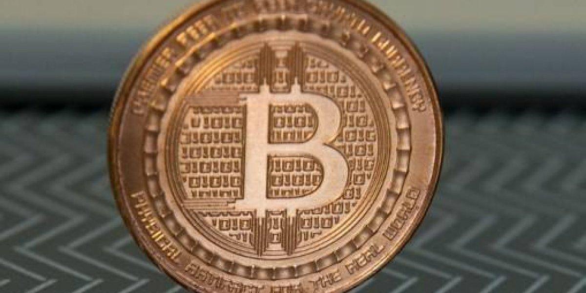 Piratas cibernéticos roban 70 millones de dólares en bitcoins