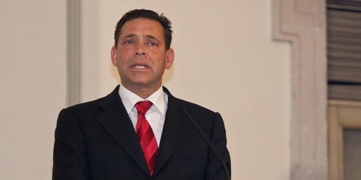 Juez dicta auto de formal prisión a Eugenio Hernández por peculado