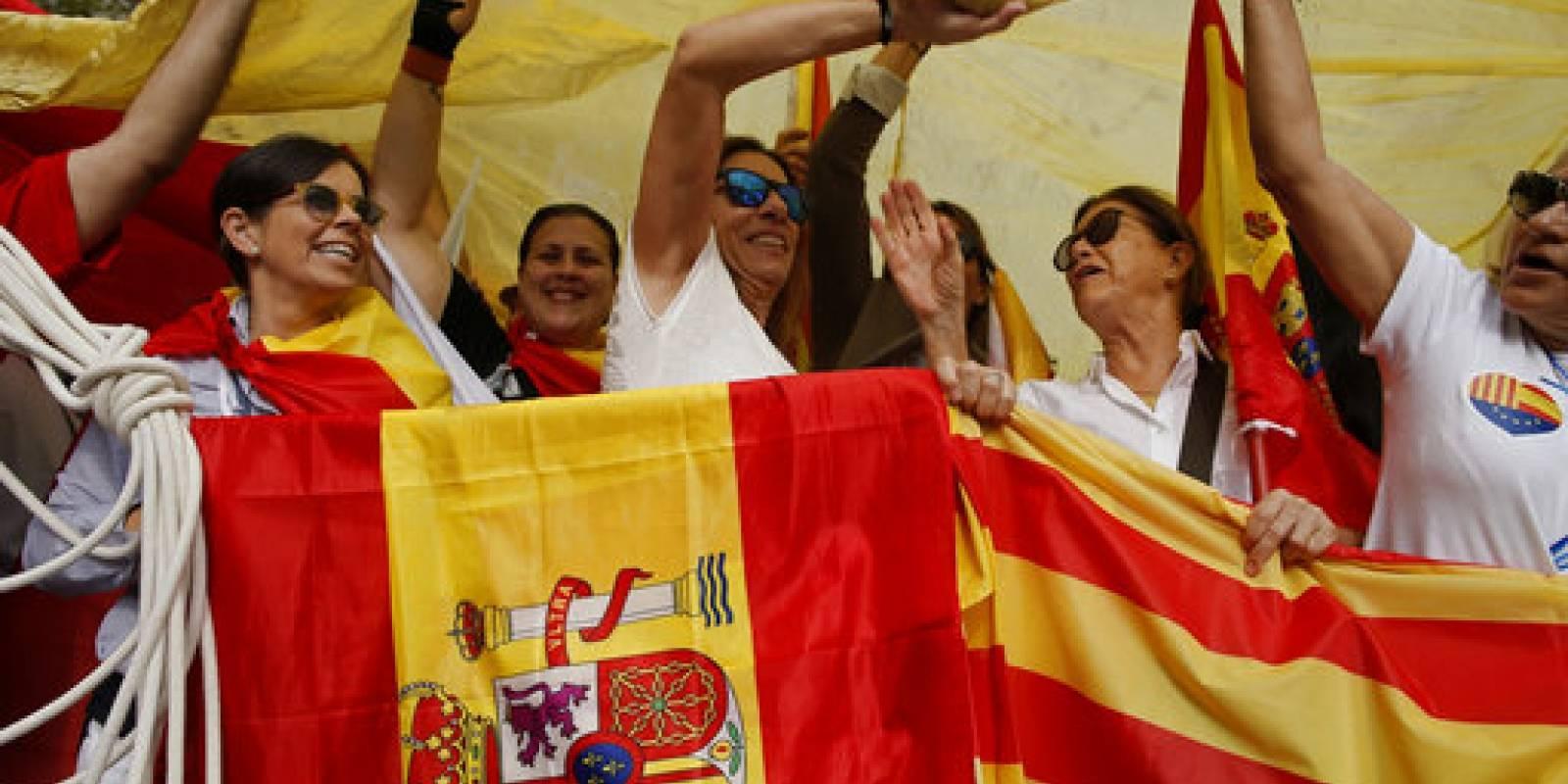 Españoles y catalanes celebran el Día de la Hispanidad 2017