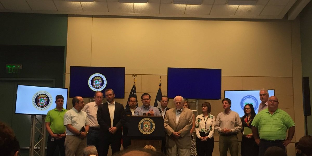 No podemos ayudar a Puerto Rico para siempre — Donald Trump
