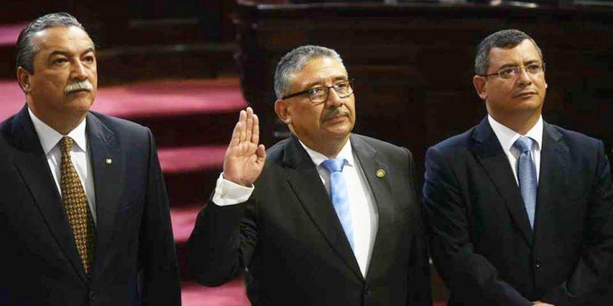 José Pineda es juramentado como presidente del Organismo Judicial