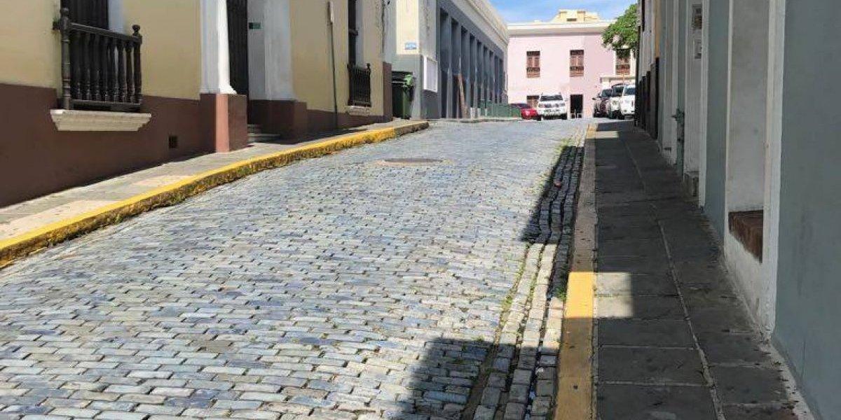 Desiertas las calles del Viejo San Juan
