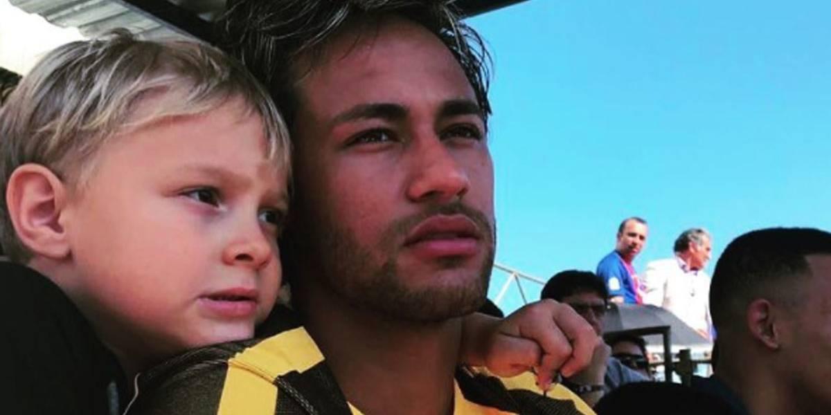 Neymar celebra Dia das Crianças com o filho, Davi Lucca