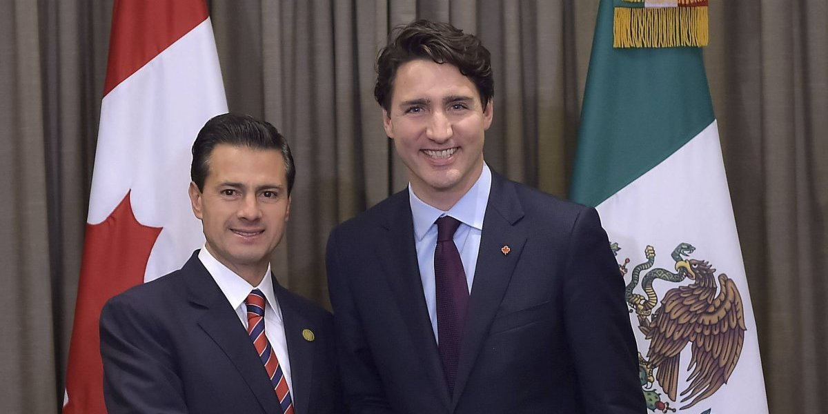 Trump recibe a Trudeau en medio de