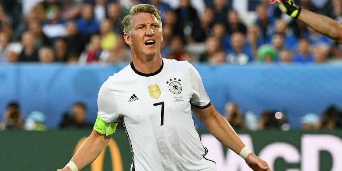 """""""Vamos Perú, la con..."""": Bastian Schweinsteiger vivió como un hincha más el partido con Colombia"""