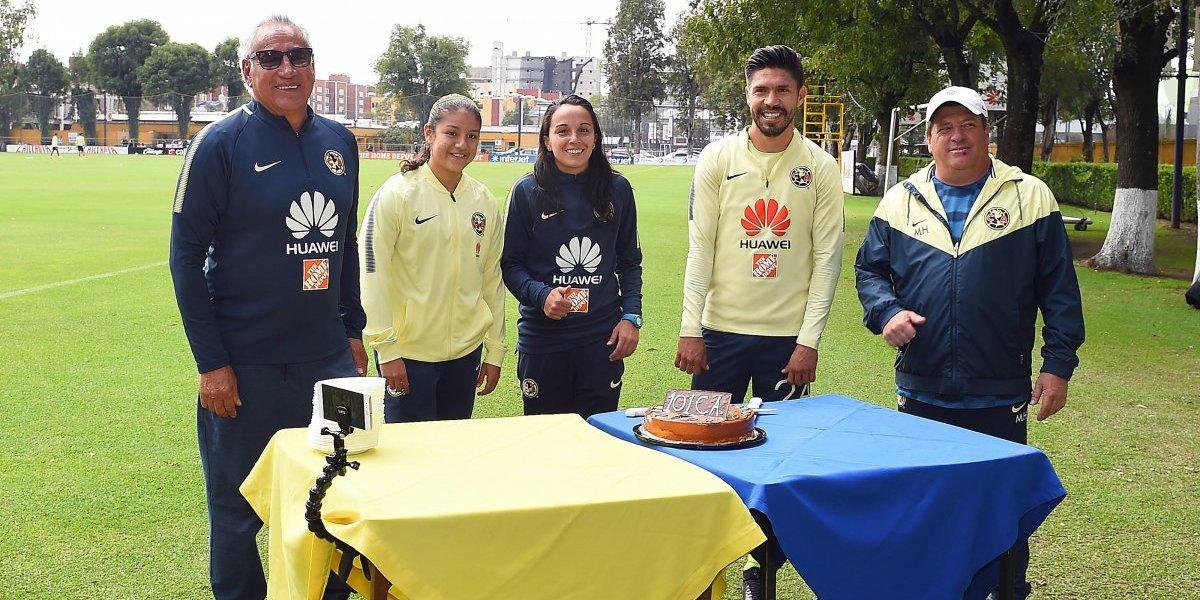 Club América sorprende con el pastel de su 101 aniversario