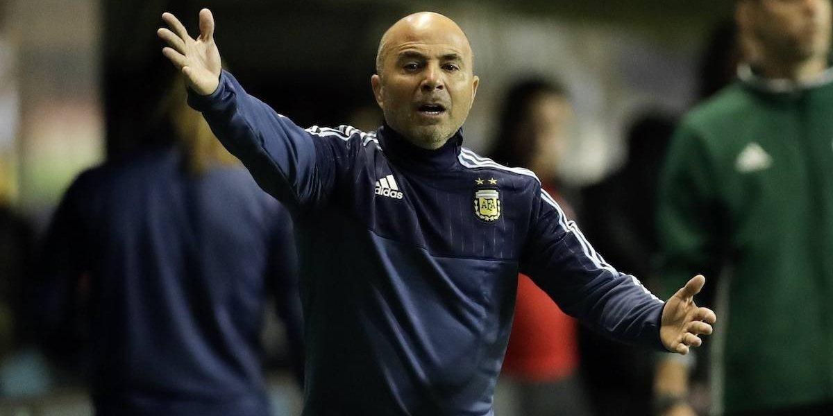 Ex entrenador revela vicios y vestidor roto en la Selección de Chile