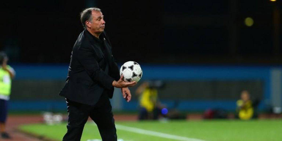 Bruce Arena renuncia como entrenador de la selección de fútbol de USA