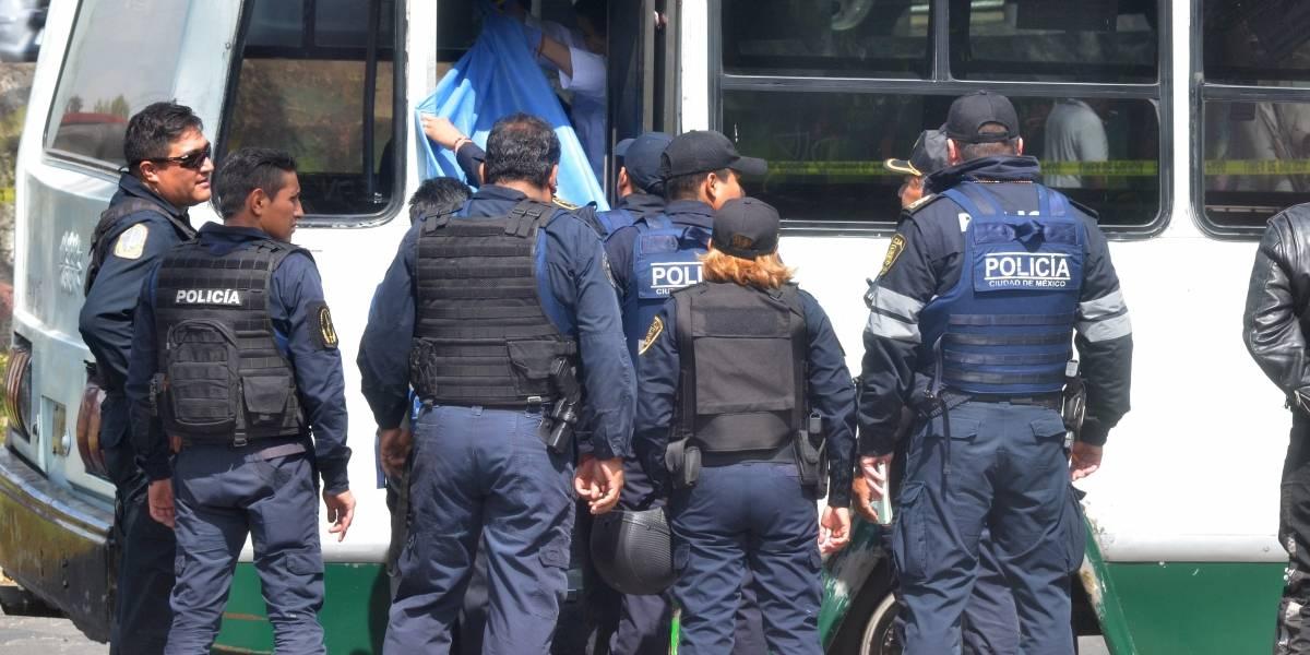 Policías encubiertos viajan en microbuses para inhibir asaltos