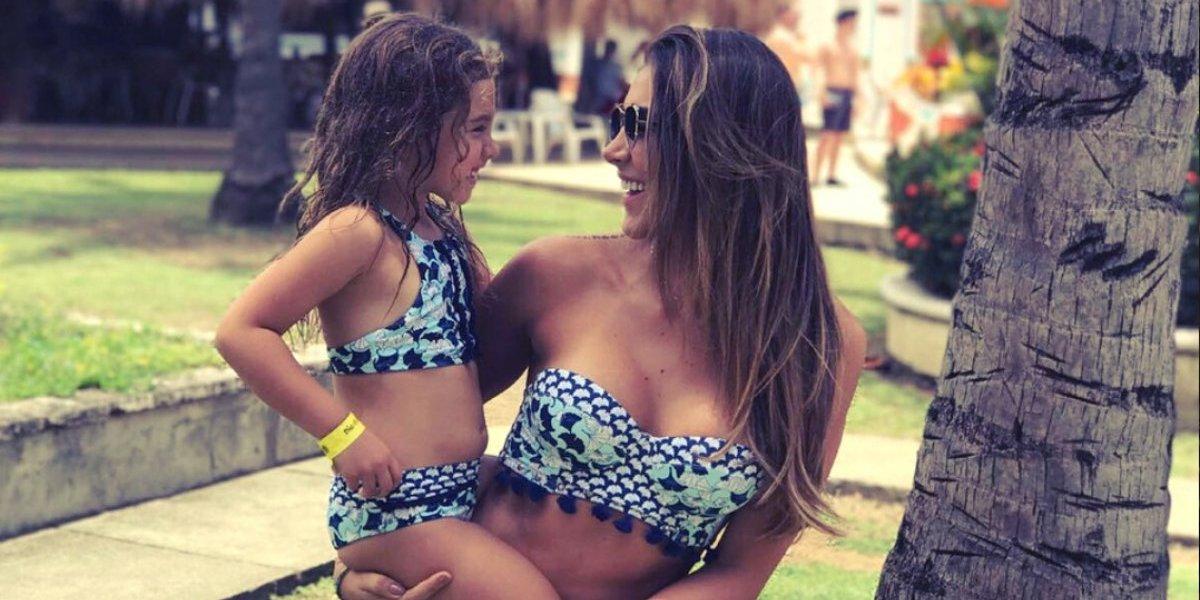 Daniela Ospina crea polémica por su desnudo en la tina con su hija