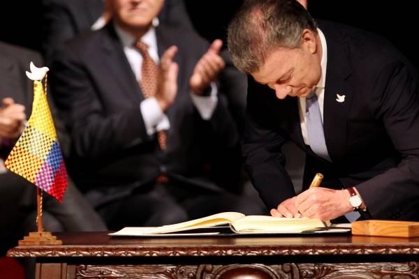 Firma del acuerdo de paz