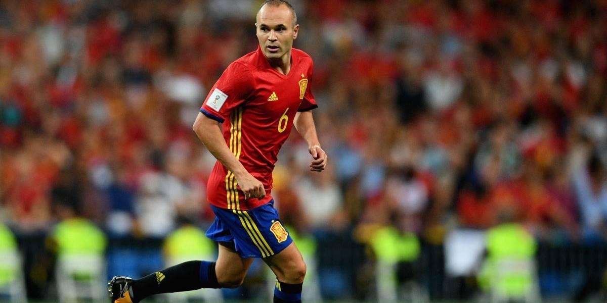 Iniesta exalta peso de duelo do Barça com Real: 'No clássico tudo se amplifica'