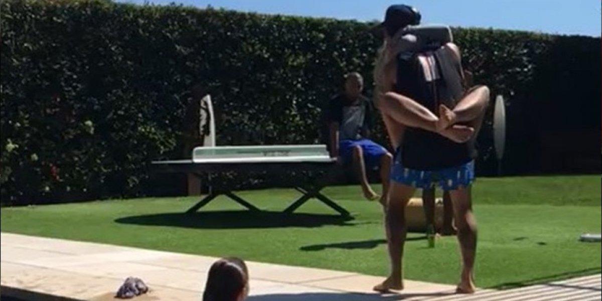 VIDEO. Neymar enloquece a sus seguidores con su piscinazo… ¿con Bruna?