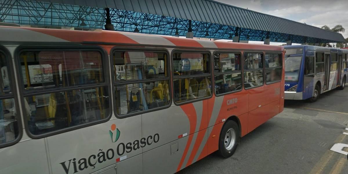 Ônibus são incendiados no Terminal Helena Maria em Osasco