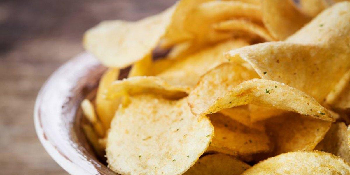 Portugal en guerra contra las papas fritas: fijará impuesto a productos altos en sal