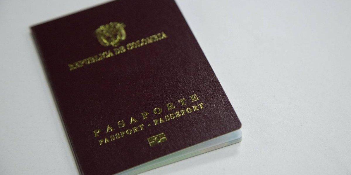 El pasaporte también subirá de precio en 2018