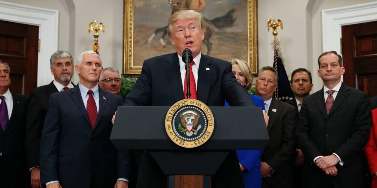 "Golpe de Trump a ""Obamacare"" sacude a consumidores"