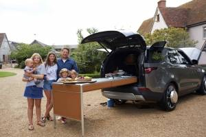 jamie-oliver-discovery-family-with-vehicle.jpg